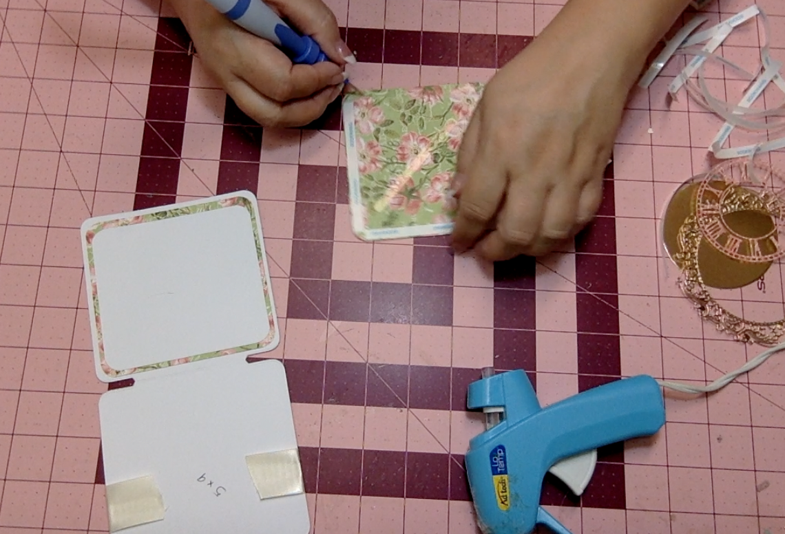 how to make elegant cards using dies from Graphic 45