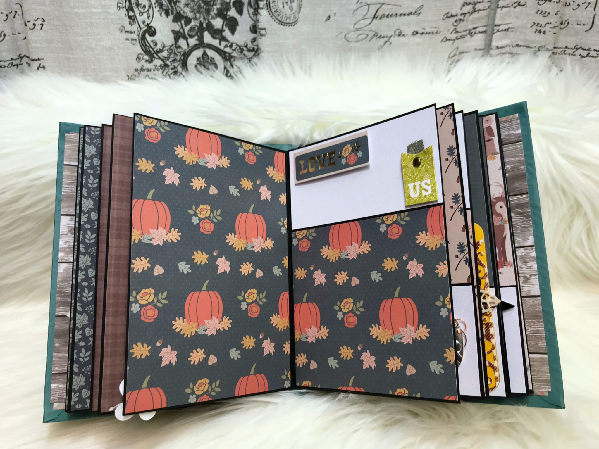 Thanksgiving theme mini album scrapbook